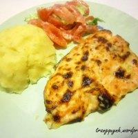 Cá hồi nướng sốt phomai và khoai tây nghiền