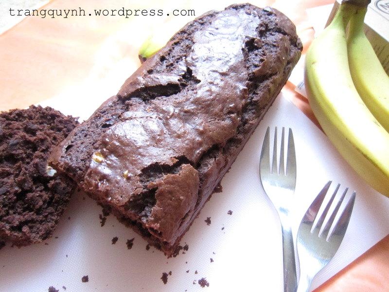 Chocolate banana bread 2
